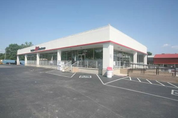 795 Oak Ridge Turnpike, Oak Ridge, TN 37830 Photo 2