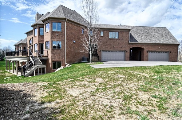 8211 Pine Hollow Trail, Grand Blanc, MI 48439 Photo 38