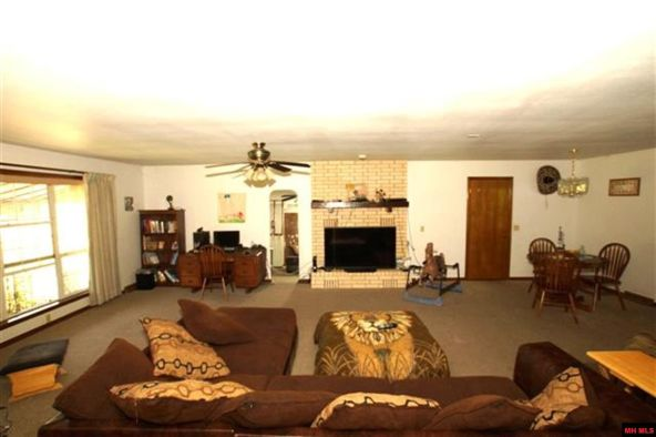 317 Cherry Ln., Mountain Home, AR 72653 Photo 3