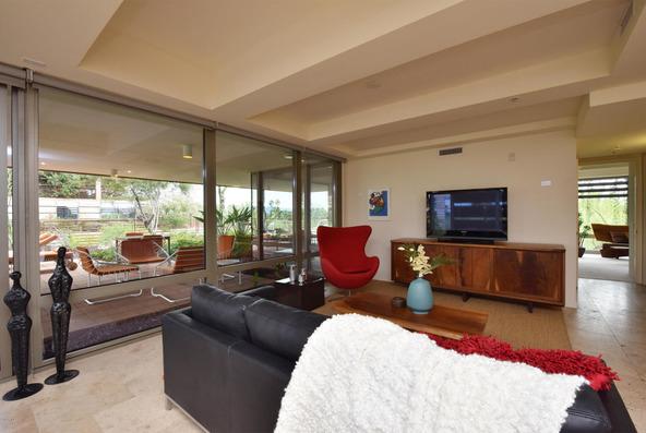 7167 E. Rancho Vista Dr., Scottsdale, AZ 85251 Photo 2