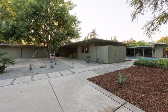 5331 North Sequoia Avenue, Fresno, CA 93711 Photo 3