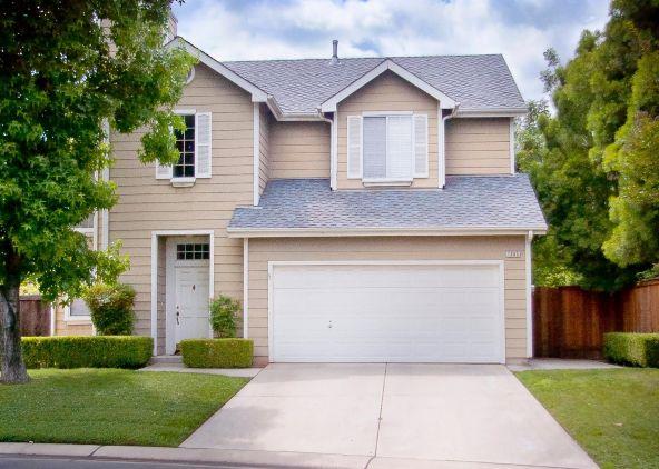 1085 E. Monticello Cir., Fresno, CA 93720 Photo 1