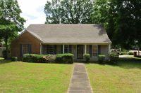 Home for sale: 7179 Poplar, Germantown, TN 38138