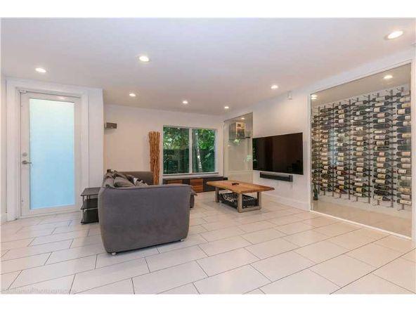 2800 Jefferson St., Miami, FL 33133 Photo 3