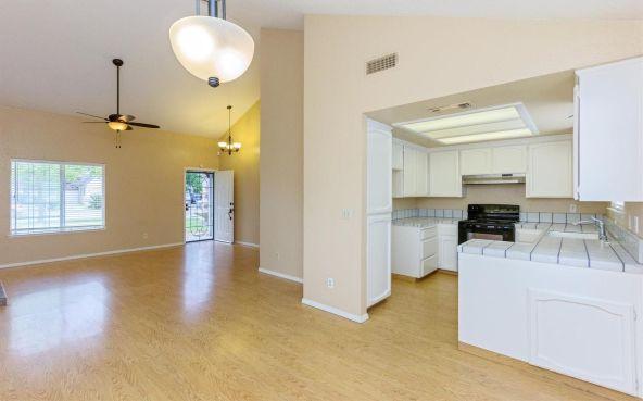 5392 N. Aurora Avenue, Fresno, CA 93722 Photo 4