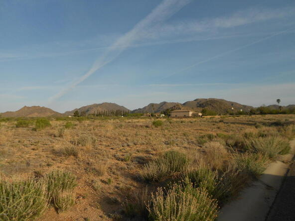 26360 S. Roxie Ln., Congress, AZ 85332 Photo 2