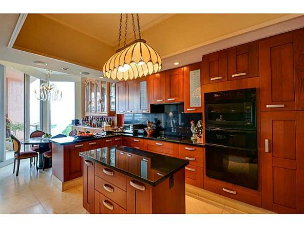 60 Edgewater Dr. # Ph15c, Coral Gables, FL 33133 Photo 6