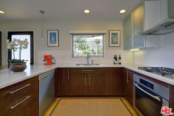 2158 Sunset Plaza Dr., West Hollywood, CA 90069 Photo 9