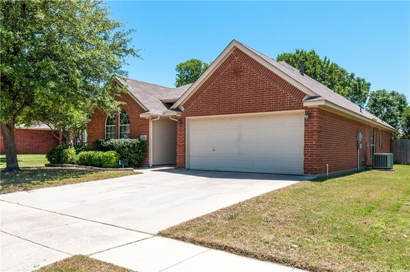 9110 Creede Trail, Fort Worth, TX 76118 Photo 4