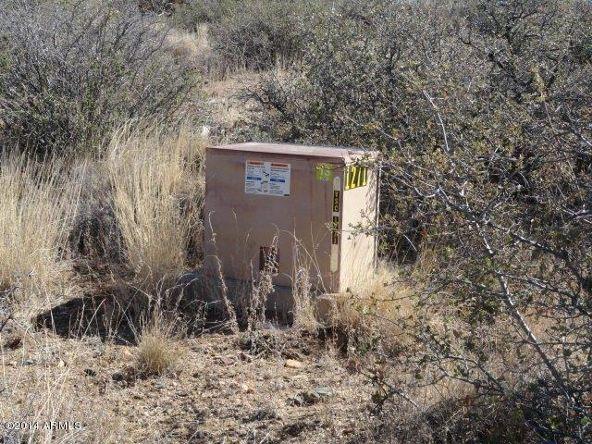 17850 S. Tawny Ln. S, Peeples Valley, AZ 86332 Photo 8