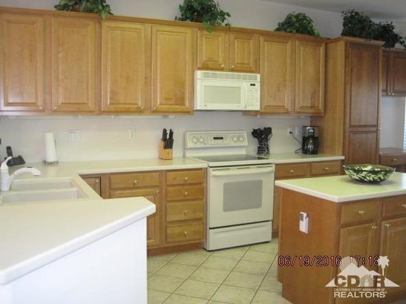 37671 Pineknoll Avenue, Palm Desert, CA 92211 Photo 27