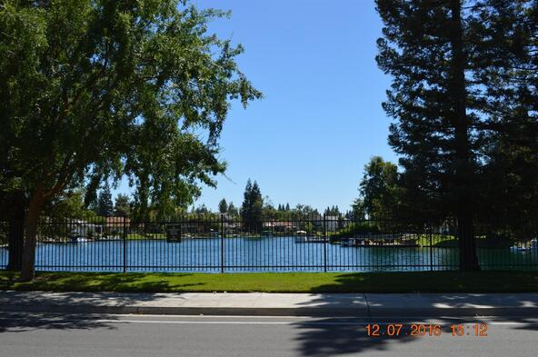 863 E. Country View Cir., Fresno, CA 93730 Photo 40