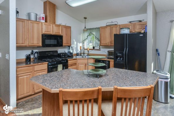 4430 W. New Larkspur Loop, Wasilla, AK 99623 Photo 8