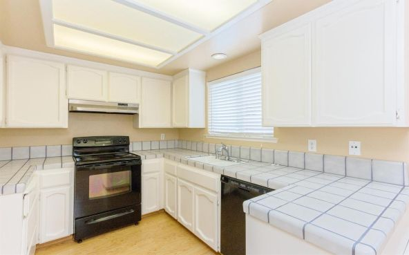 5392 N. Aurora Avenue, Fresno, CA 93722 Photo 5