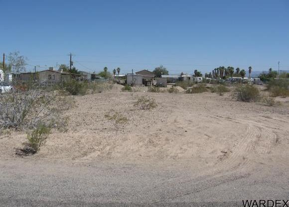4895 E. Island Pl., Topock, AZ 86436 Photo 4