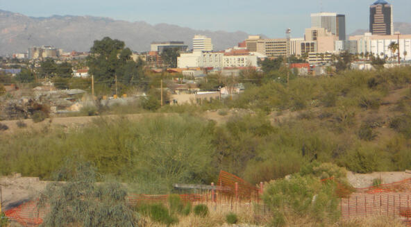211 S. Sentinel Peak, Tucson, AZ 85745 Photo 2