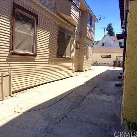 1816 Roosevelt Avenue, Los Angeles, CA 90006 Photo 8