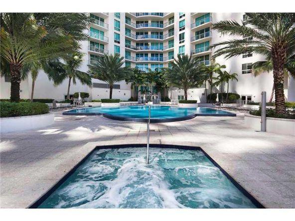 300 S. Biscayne Blvd., Miami, FL 33131 Photo 2